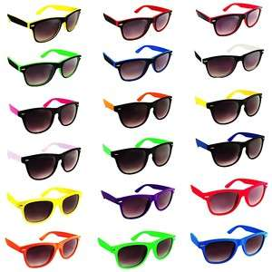 Soft Touch Rubber Coated Frame Retro Vintage Wayfer Sunglasses Dark