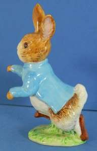 Beswick Peter Rabbit Figurine BP2 Gold Oval Mark + Book