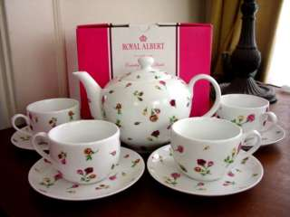 Royal Albert COUNTRY ROSE BUD Roses 10 Pc Tea Set NEW