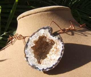 DRUZY GEODE CRYSTAL GREY WHITE NATURAL PENDANT NECKLACE SILVER OR