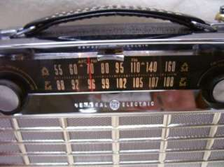Rare VTG GE General Electric P 865 AM/FM Transistor Radio 1962 MINTY
