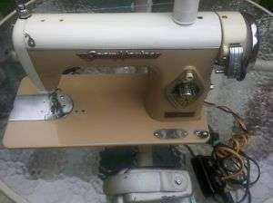 Vintage Seam Master Deluxe Sewing Machine 1 Amp Motor