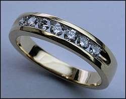 14kt Yellow Gold Mens Diamond Band, 7 Diamonds Channel