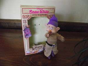 Doll SNOW WHITE SEVEN DWARFS Disney DOPEY fully jointed 083831016006