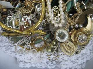 LOT of JUNK BROKEN JEWELRY NECKLACE EARRINGS WATCH CRAFT 2 lb+