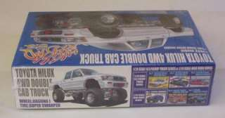 92 Toyota 4x4 LIFTED Double Cab Pickup Truck Aoshima 1:24 Kit Sealed