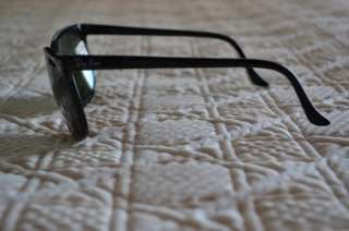 sunglasses Vintage WAYFARER Bausch and Lomb Case Nice Condition
