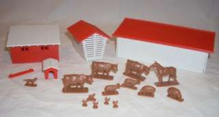 HO Scale Bachmann Farm Buildings & Animals Chickens Dog Cows Horse