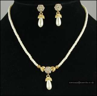 Cream Faux Pearl With Diamante Flower Necklace Set